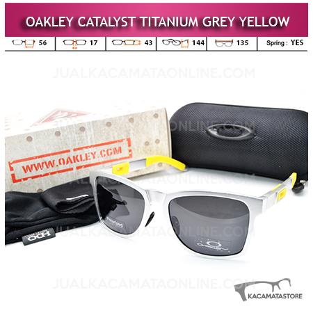 Kacamata Oakley Catalyst Titanium Grey Yellow